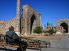 man_at_registan_-_samarkand_-_15-10-2005_thumb